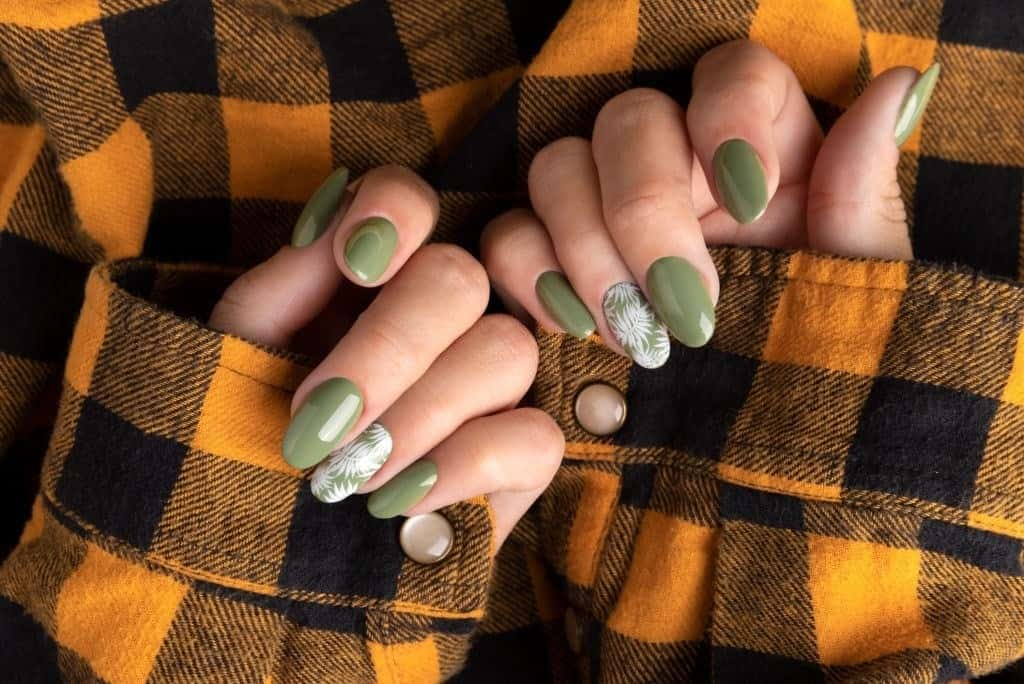 what happens if you use super glue for fake nails